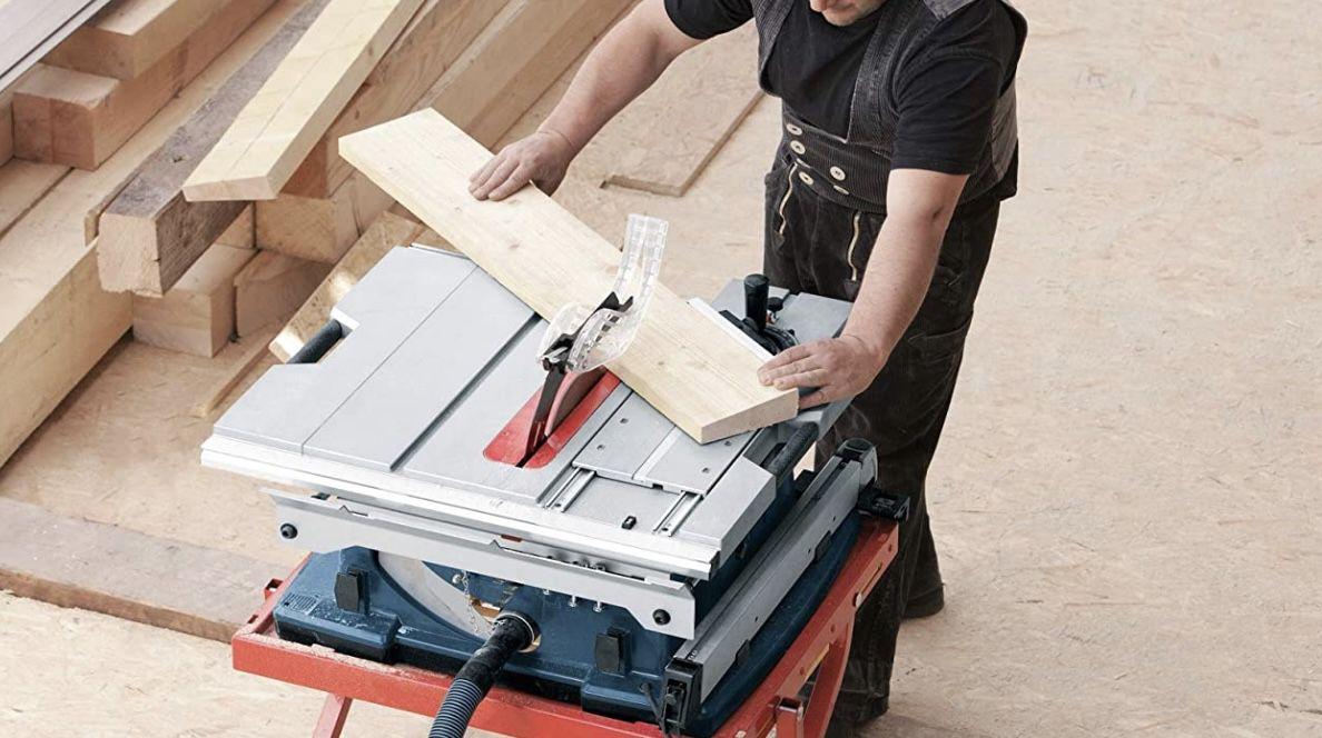 Bosch Professional Tischkreissäge GTS 10 XC 2100 Watt, mit 254mm Sägeblatt für 574€ (statt 668€)