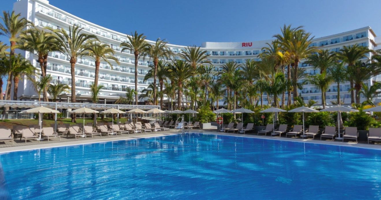 Last Minute Gran Canaria: 7 Nächte zu zweit im 4* Hotel Riu Palace Palmeras mit All Inclusive, Flügen, Transfers ab 754€p.P.