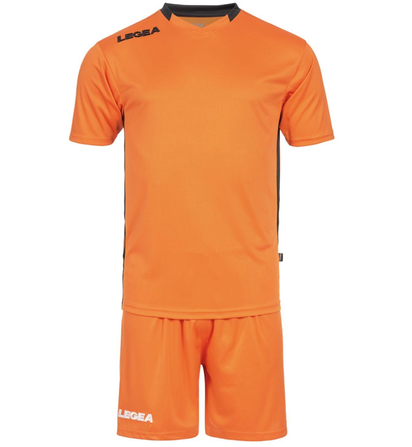 Legea Monaco Fußball Set in 3 Farben mit Trikot und Shorts für nur 8€