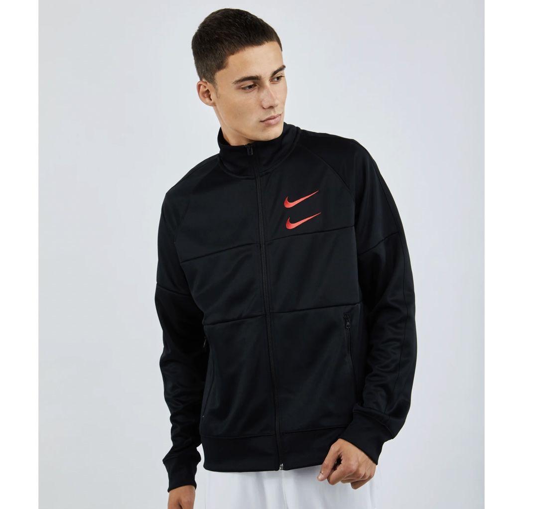 Nike Swoosh Poly Knit Track Top in Olivgrün, Schwarz oder Weiß für 31,99€ (statt 37€)