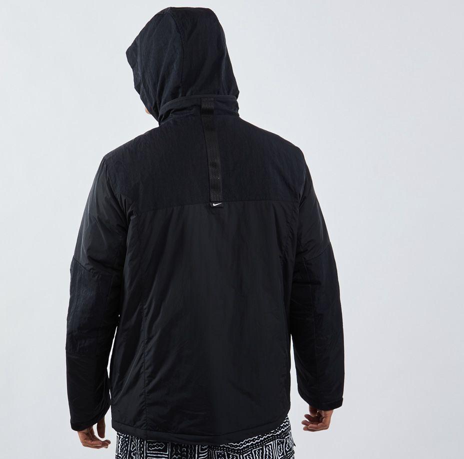 Nike Synthetic Fill M65 Herren Jackets in Schwarz für 71,99€ (statt 100€)