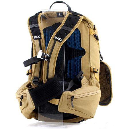 Evoc   Explorer Pro   26L Rucksack in Gold für 100,77€ (statt 124€)