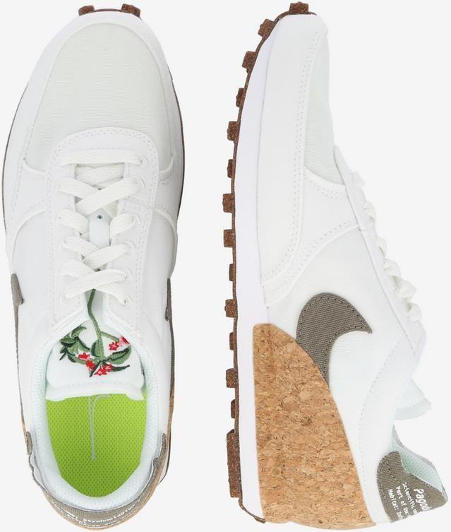 Nike Sportswear Pagoda Sneaker in Braun / Weiß für 47,94€ (statt 90€)