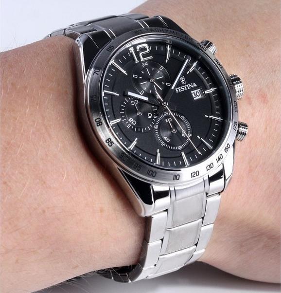 Festina F16759/4   Herren Chronograph mit Edelstahl Armband für 82,20€ (statt 128€)