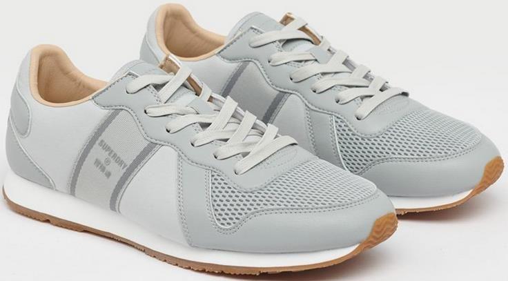 Superdry   Retro Runner Sneaker in Blau oder Grau für 40€ (statt 51€)