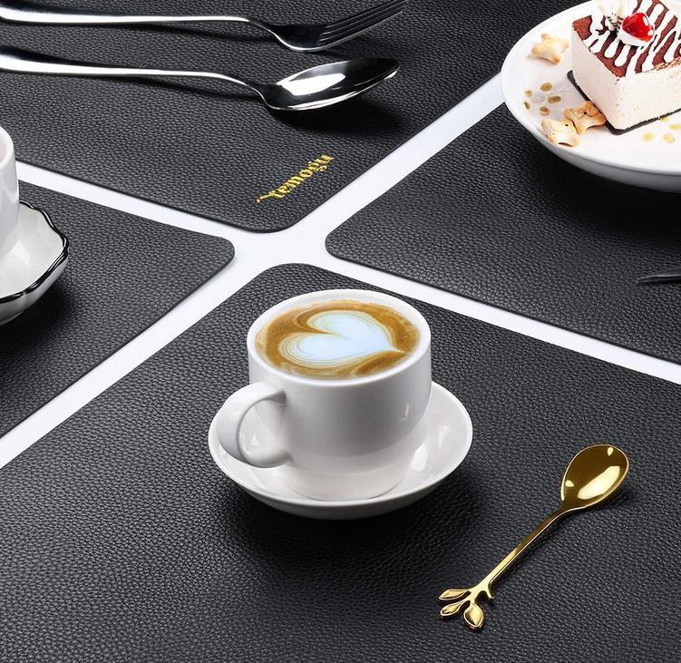 Rutschfestes Tischset aus Kunstleder 45x30cm für 9,92€ (statt 25€)