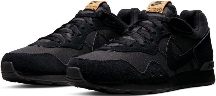 Nike Venture Runner Sneaker in Schwarz für 57,94€ (statt 64€)