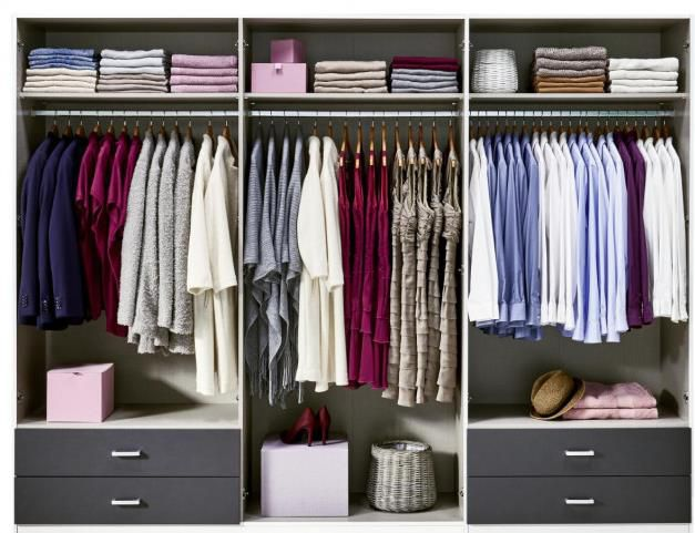 Kleiderschrank Borbona in Alpinweiß/Grau für 364,99€ (statt 501€)