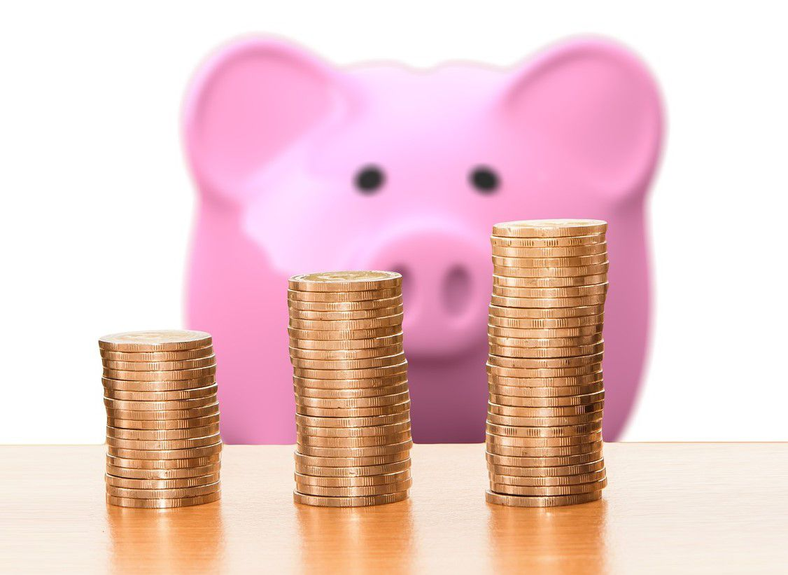 Geldanlagen: 5 Tipps, um erfolgreich für den eigenen Nachwuchs zu sparen