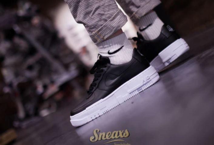 Top! Sneaxs mit 20% extra Rabatt im Sale   z.B. Nike Womens Air Force 1 PIXEL für 75,90€ (statt 104€)