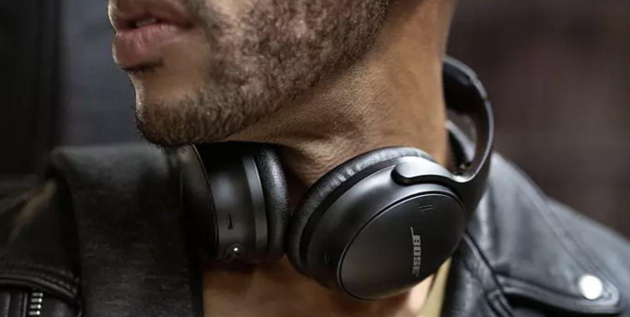 Bose QuietComfort 45 Noise Cancelling Over Ear Kopfhörer für 304,95€ (statt 350€)