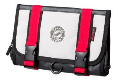 FC Bayern München Kulturbeutel 15 x 25 cm für 11,26€(statt 17€)