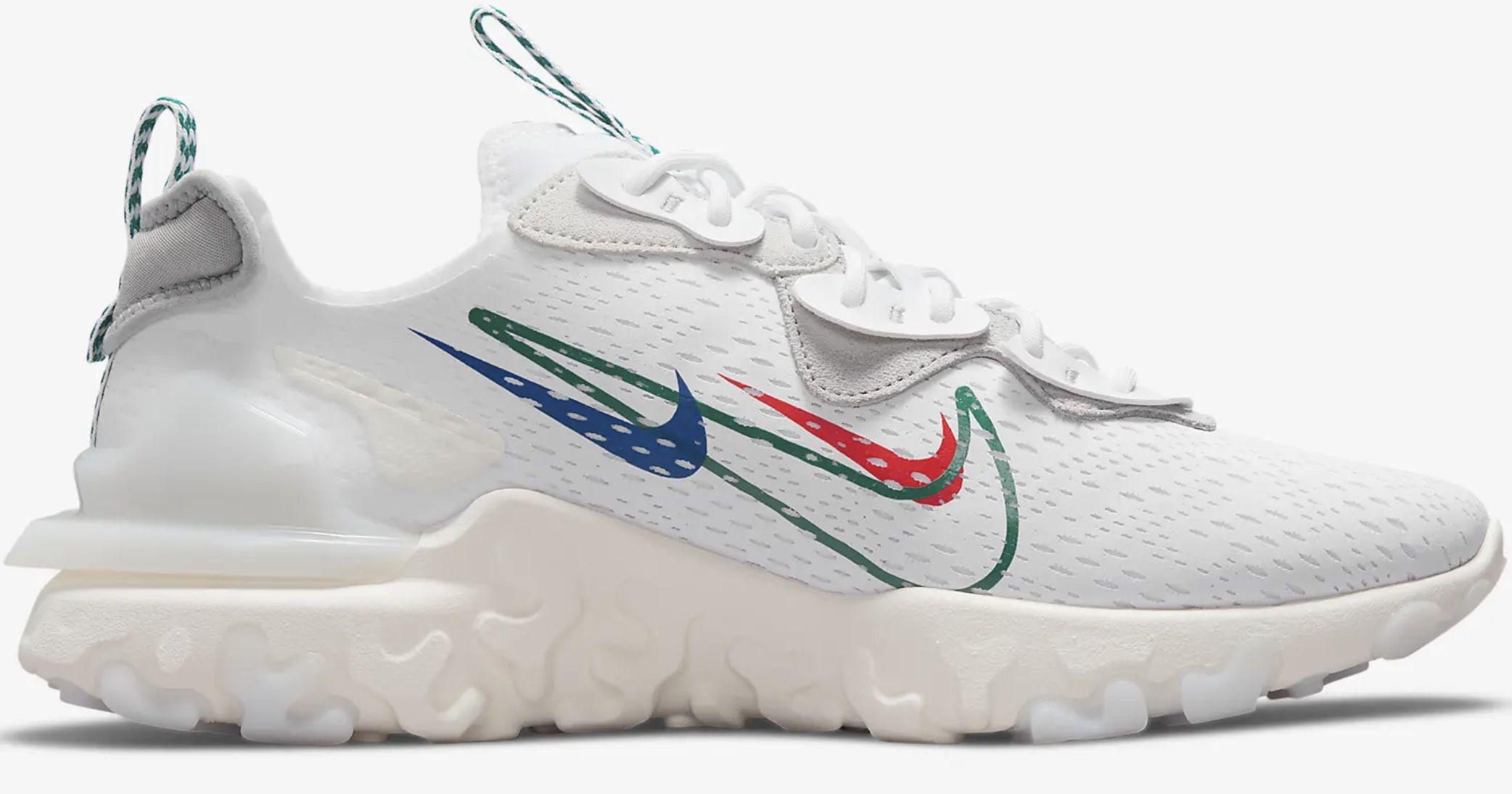 Nike React Vision Sneaker in Weiß für 77,97€ (statt 130€)