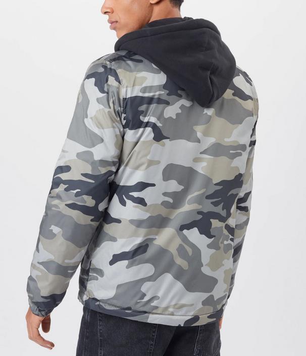 Hollister Jacke in Marine mit Tarn Optik für 37,03€ (statt 52€)