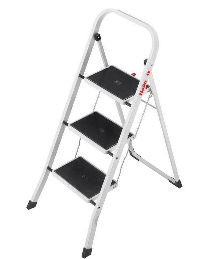 Hailo K20 – 3 Stufen Alu Klapptritt Weiß mit Sicherheitsbügel für 29,99€ (statt 43€)