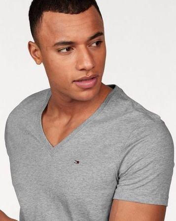 Tommy Jeans V Neck T Shirts für je 17,59€ (statt 22€)