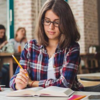 Studium finanzieren – mittels BAföG oder Kredit