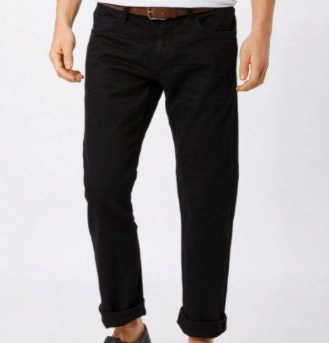 Esprit Straight Jeans – verschiedene Größen in Schwarz für 22,95€ (40€)