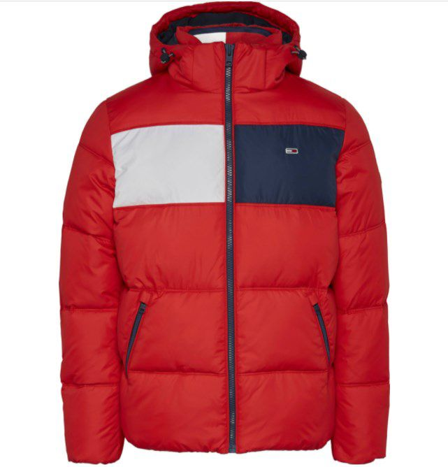 Tommy Hilfiger – Tommy Jeans Colorblock Padded Jacket in Rot ab 120,24€ (statt 172€)