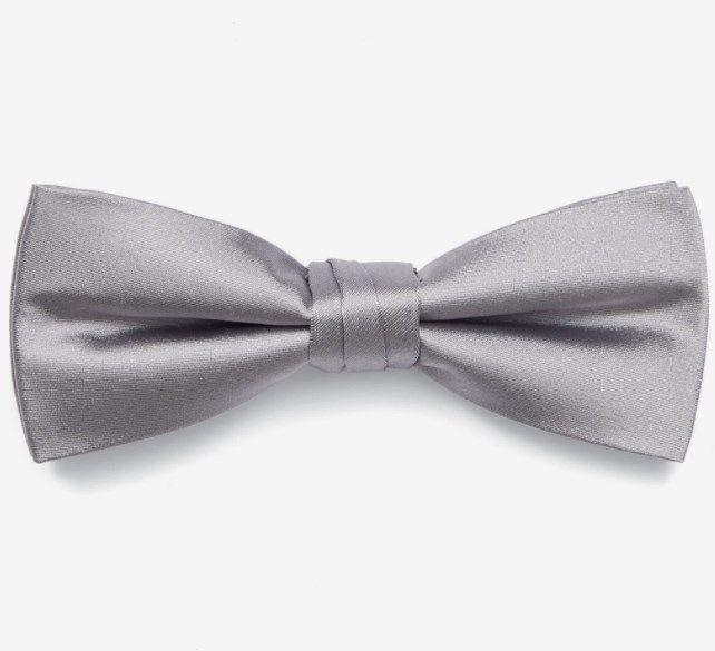 Calvin Klein Fliege – 100% Seide in Hellgrau, Blau oder Rot ab 23,92€ (statt 34€)
