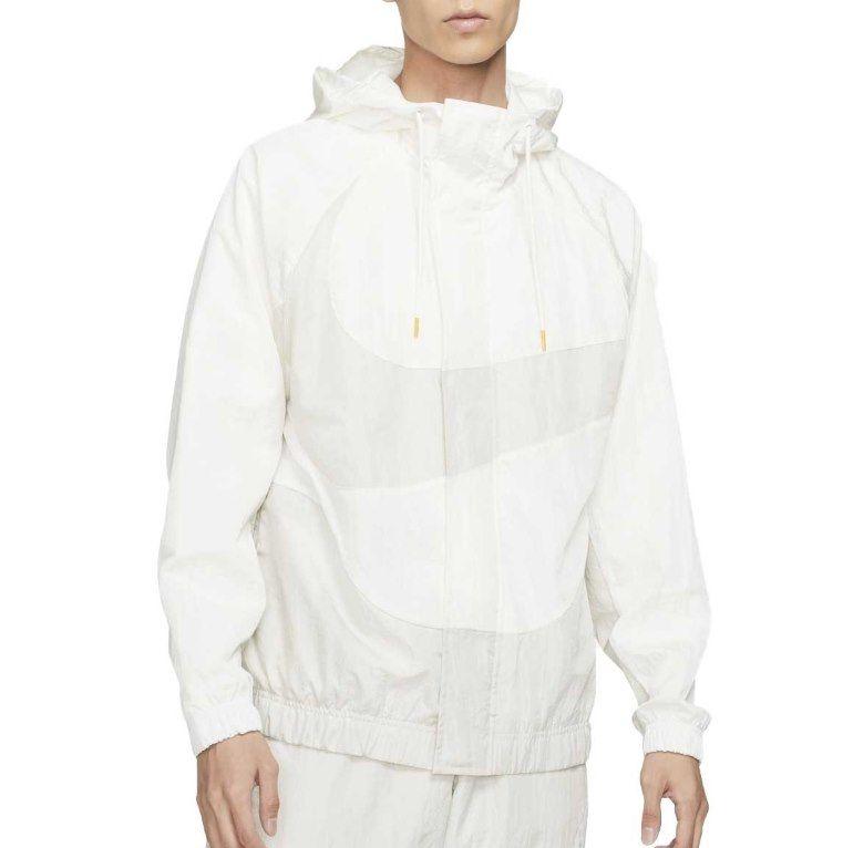 Nike Übergangsjacke Swoosh in Weiß für 54,78€ (statt 105€)   L, XL & XXL